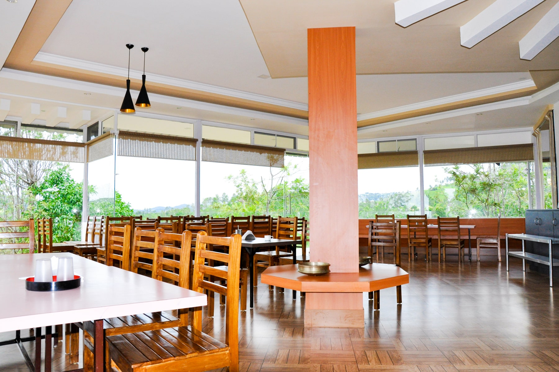 Mother's Recipe Restaurant 270 Deg view